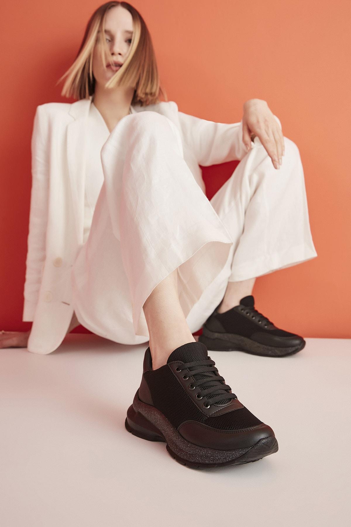 Yaya  by Hotiç Siyah Kadın Sneaker 01AYY209250A100 1