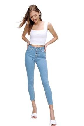 butikburuç Kadın Açık Mavi Yüksek Bel Metal Düğme Kot Pantolon