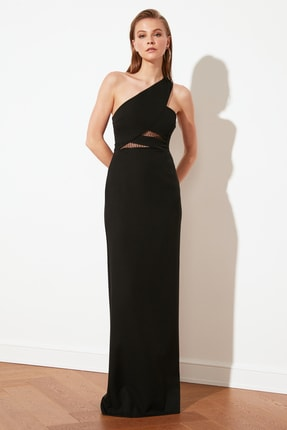 TRENDYOLMİLLA Siyah Yaka Detaylı Abiye & Mezuniyet Elbisesi TPRSS21AE0066