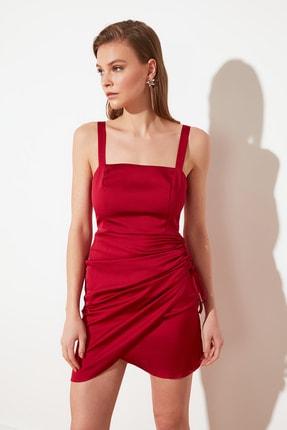 TRENDYOLMİLLA Bordo Büzgülü Saten Elbise TPRSS21EL2287