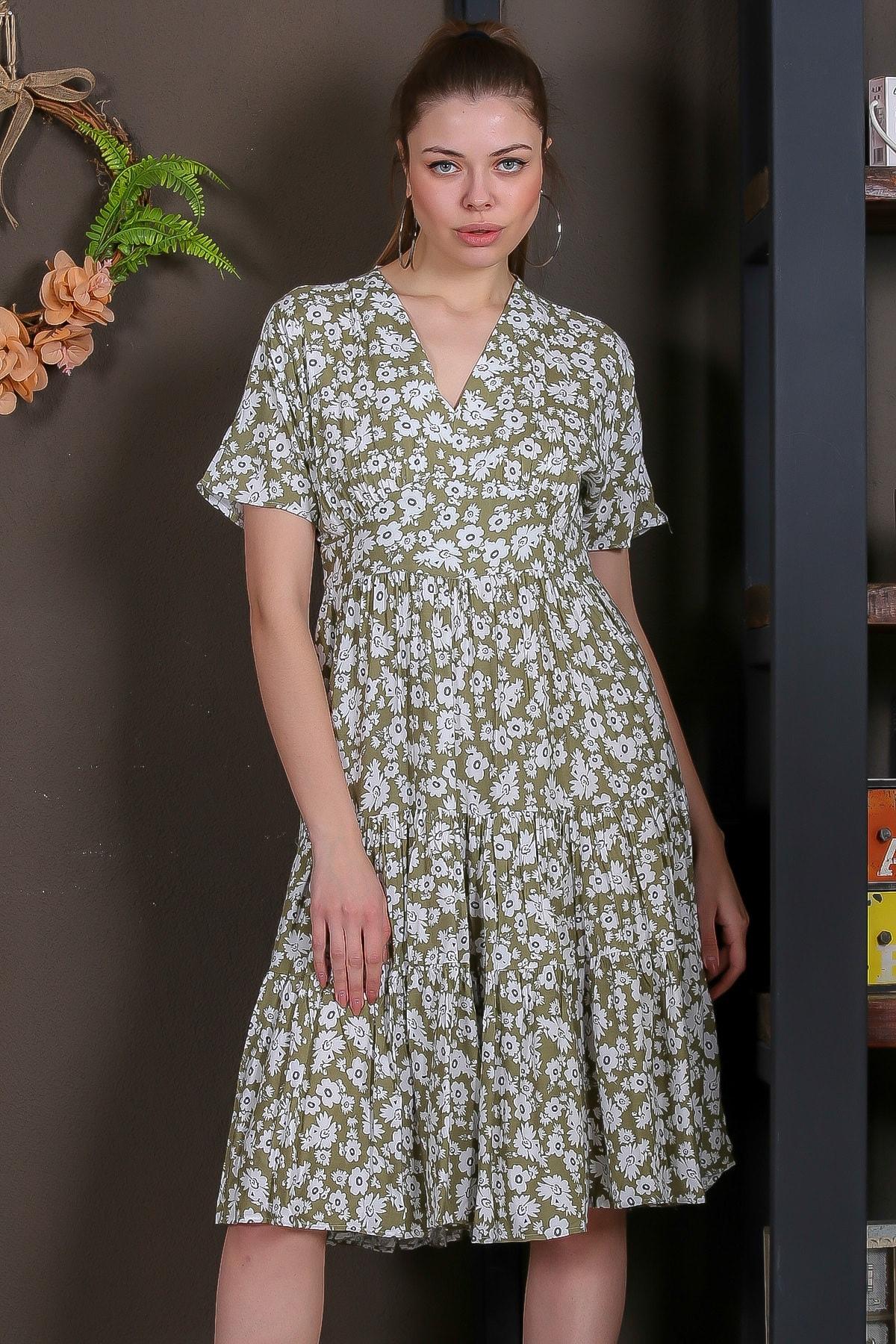 Chiccy Kadın Yeşil Düşük Kol V Yaka Fırfırlı Dokuma Midi Elbise M10160000EL95432