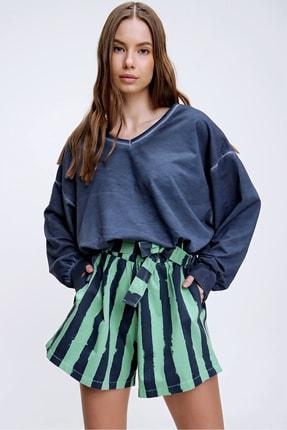 Trend Alaçatı Stili Kadın Lacivert Ön Arka V Yaka Beli Bağcıklı Yıkamalı Sweatshirt MDA-1145