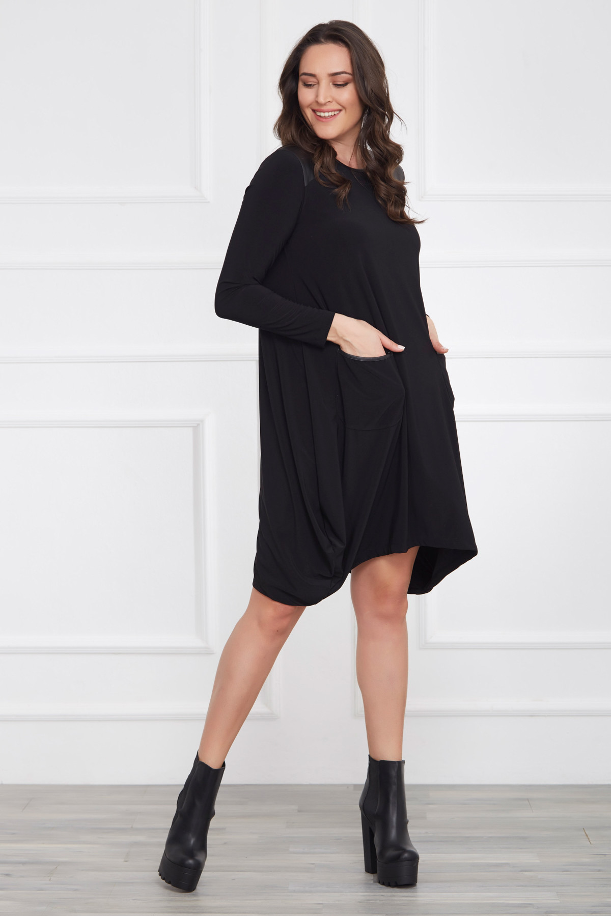 Laranor Kadın Siyah Deri Detaylı Asimetrik Kesim Elbise 17LB9023 1
