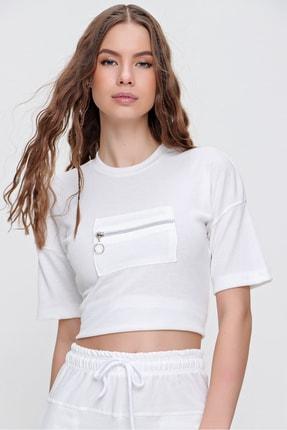 Trend Alaçatı Stili Kadın Beyaz Önü Fermuar Detaylı Bisiklet Yaka Fitilli Bluz ALC-X6173