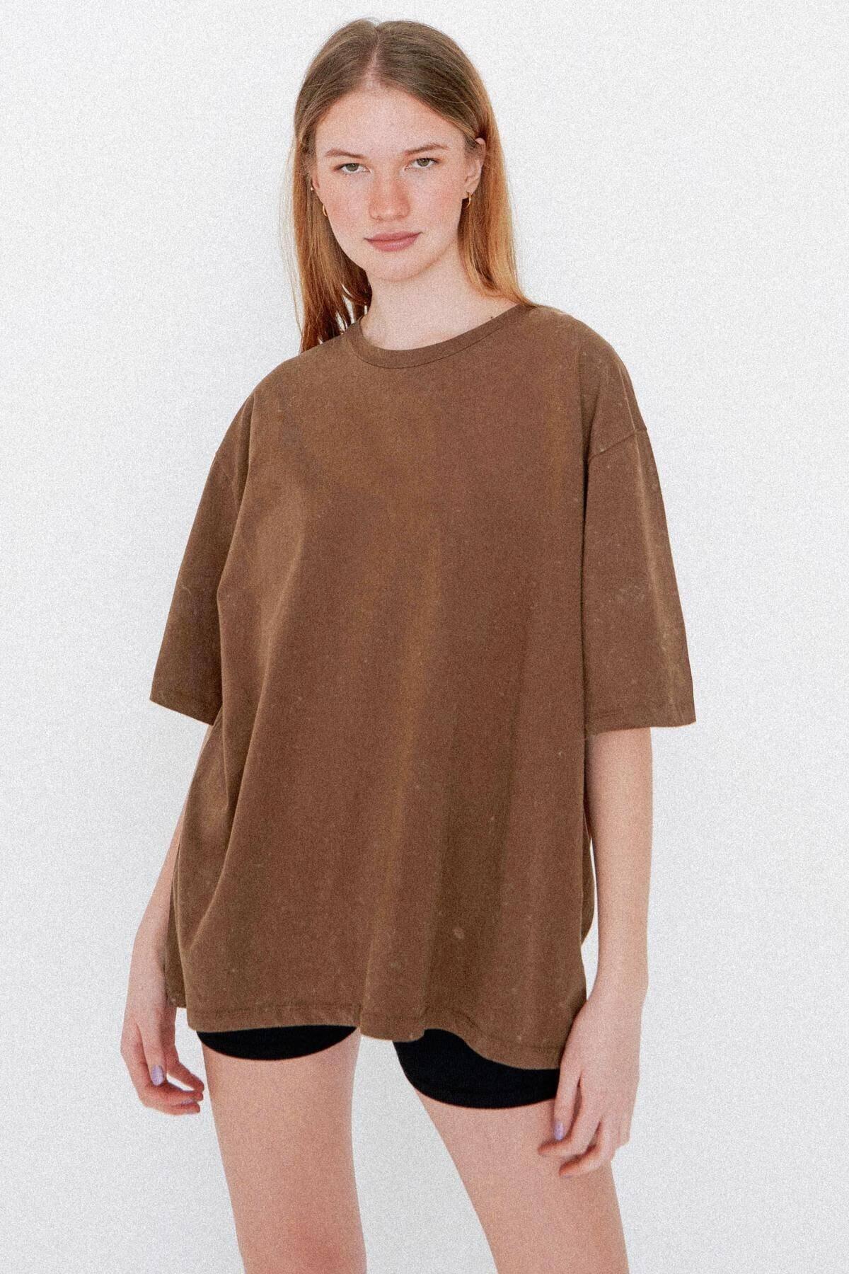 Addax Kadın Koyu Kahve Batik T-Shirt P1118 - J9 Adx-0000023700