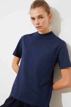 TRENDYOLMİLLA Lacivert Dik Yaka Basic Örme T-Shirt TWOAW20TS0096