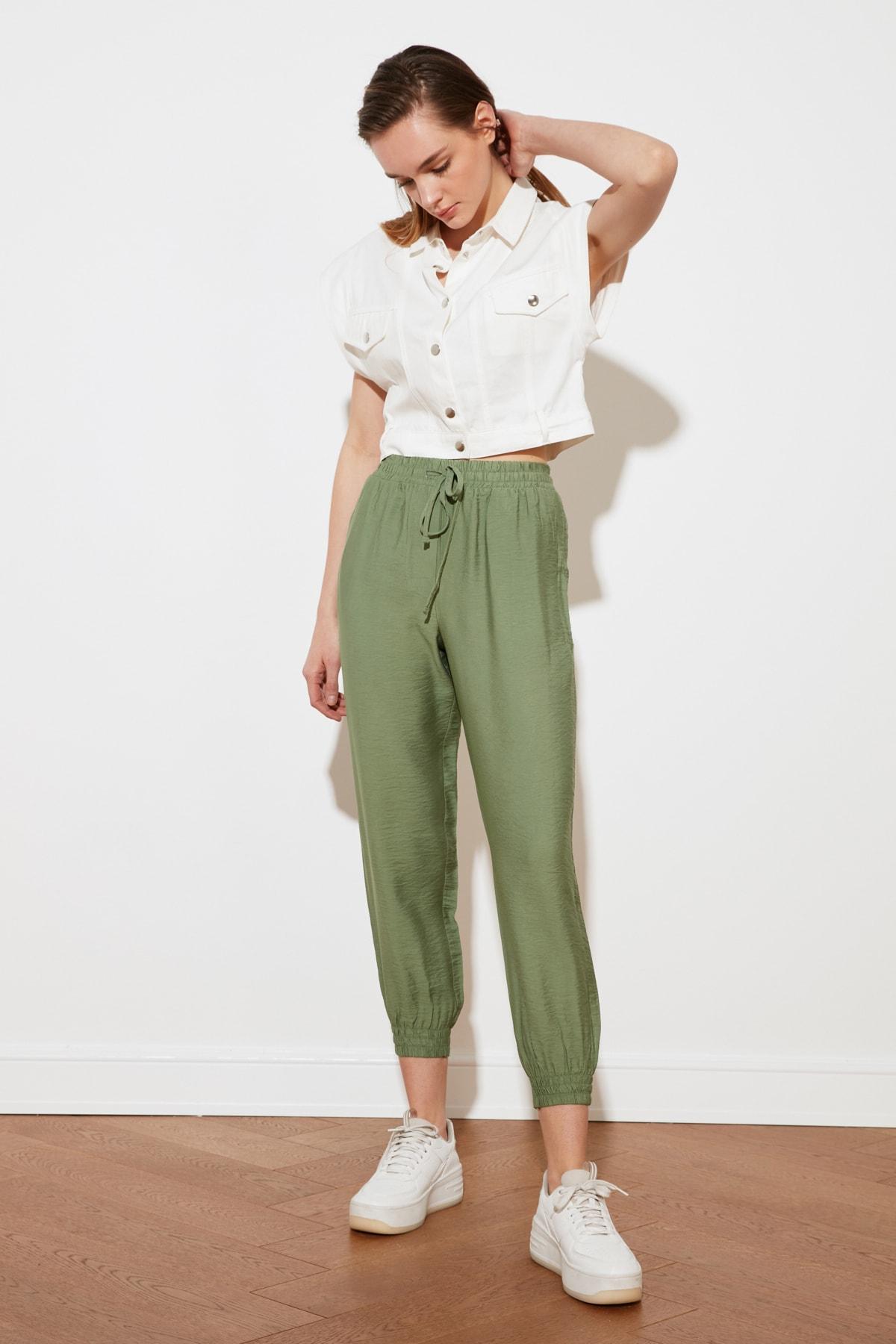 TRENDYOLMİLLA Yeşil Jogger Pantolon TWOSS20PL0129 1