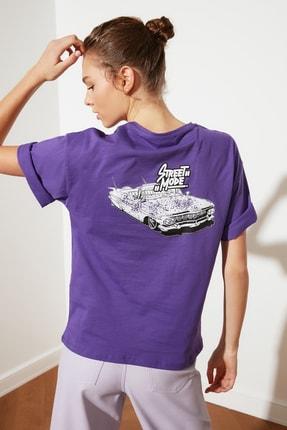 TRENDYOLMİLLA Mor Sırt Baskılı Loose Örme T-Shirt TWOSS21TS2059