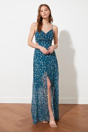 TRENDYOLMİLLA Çok Renkli Yırtmaç Detaylı Çiçek Desenli Elbise TWOSS20EL1270