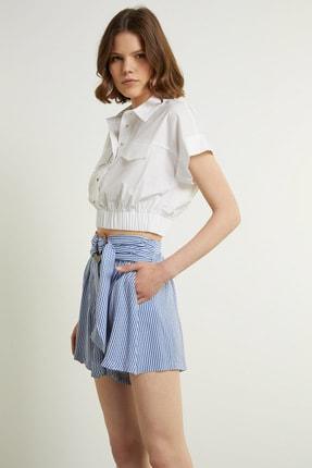 Network Kadın Slim Fit Beyaz Polo Yaka Cropped Gömlek 1078901