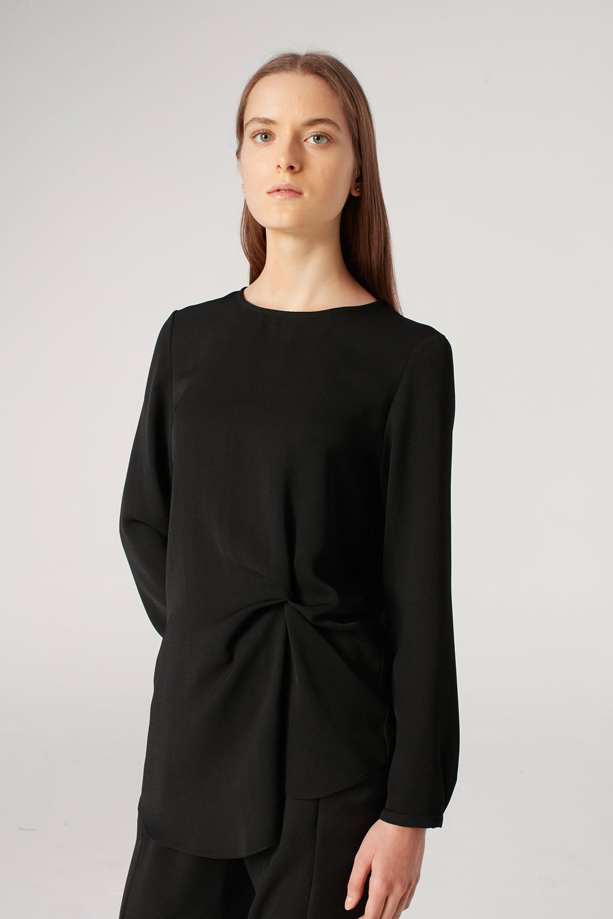 Mizalle Kadın Siyah Düğüm Detaylı Bluz 18KGMZL1012007 1