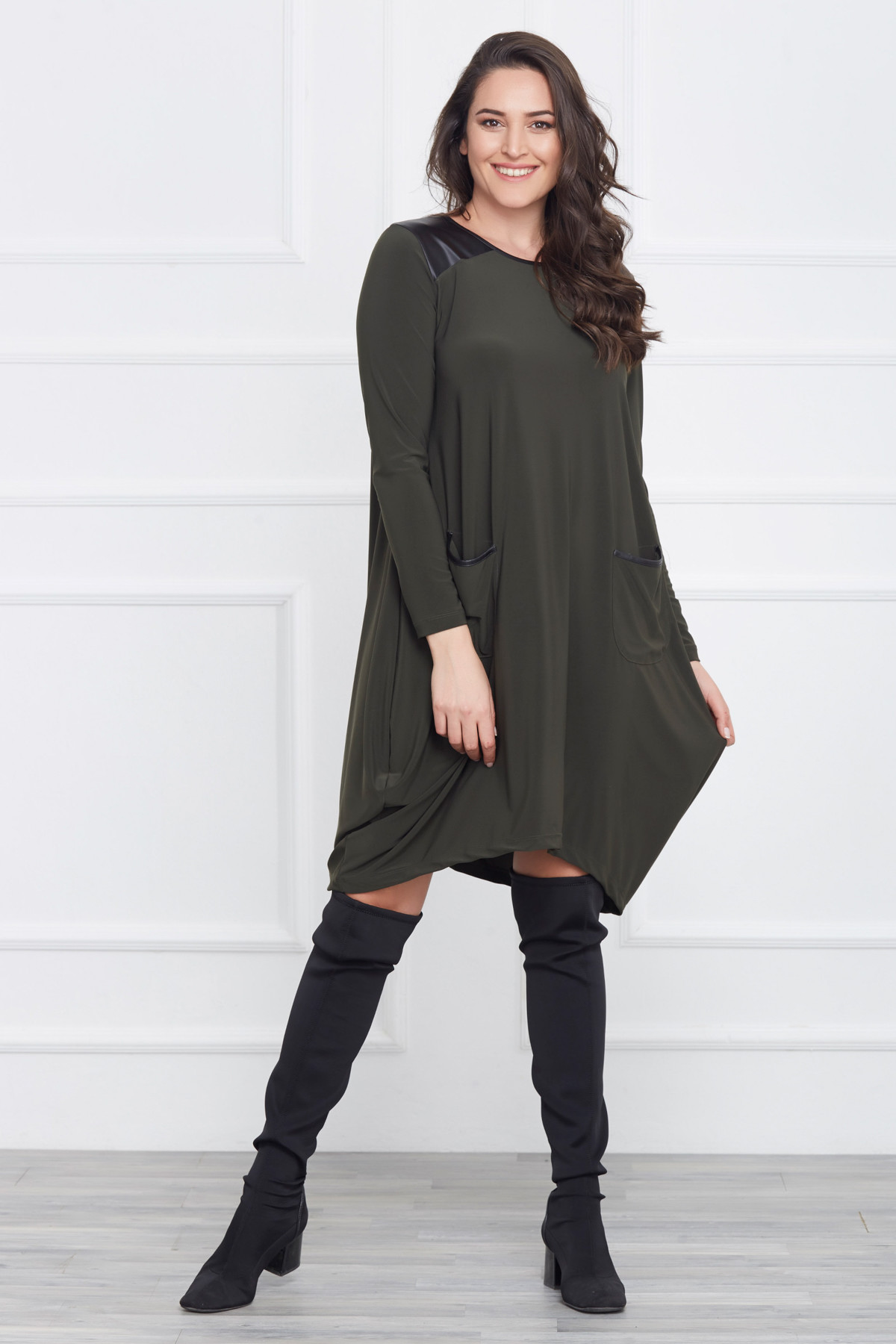 Laranor Kadın Yeşil Deri Detaylı Asimetrik Kesim Elbise 17LB9023 1