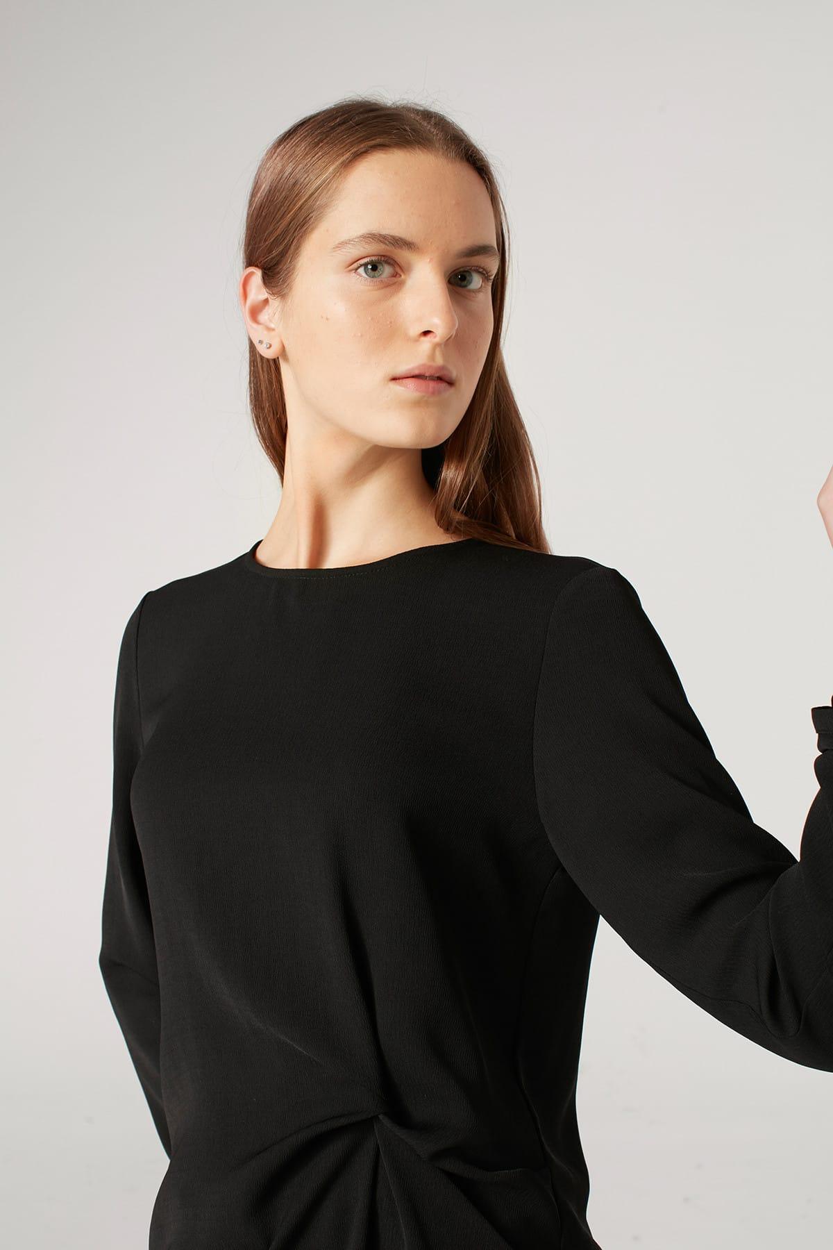 Mizalle Kadın Siyah Düğüm Detaylı Bluz 18KGMZL1012007 2