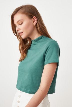 TRENDYOLMİLLA Yeşil Crop Örme T-Shirt TWOSS21TS2132