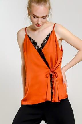 Chiccy Kadın Kiremit Kruvaze Dantel Detaylı Saten Bluz C10010200Bl97655