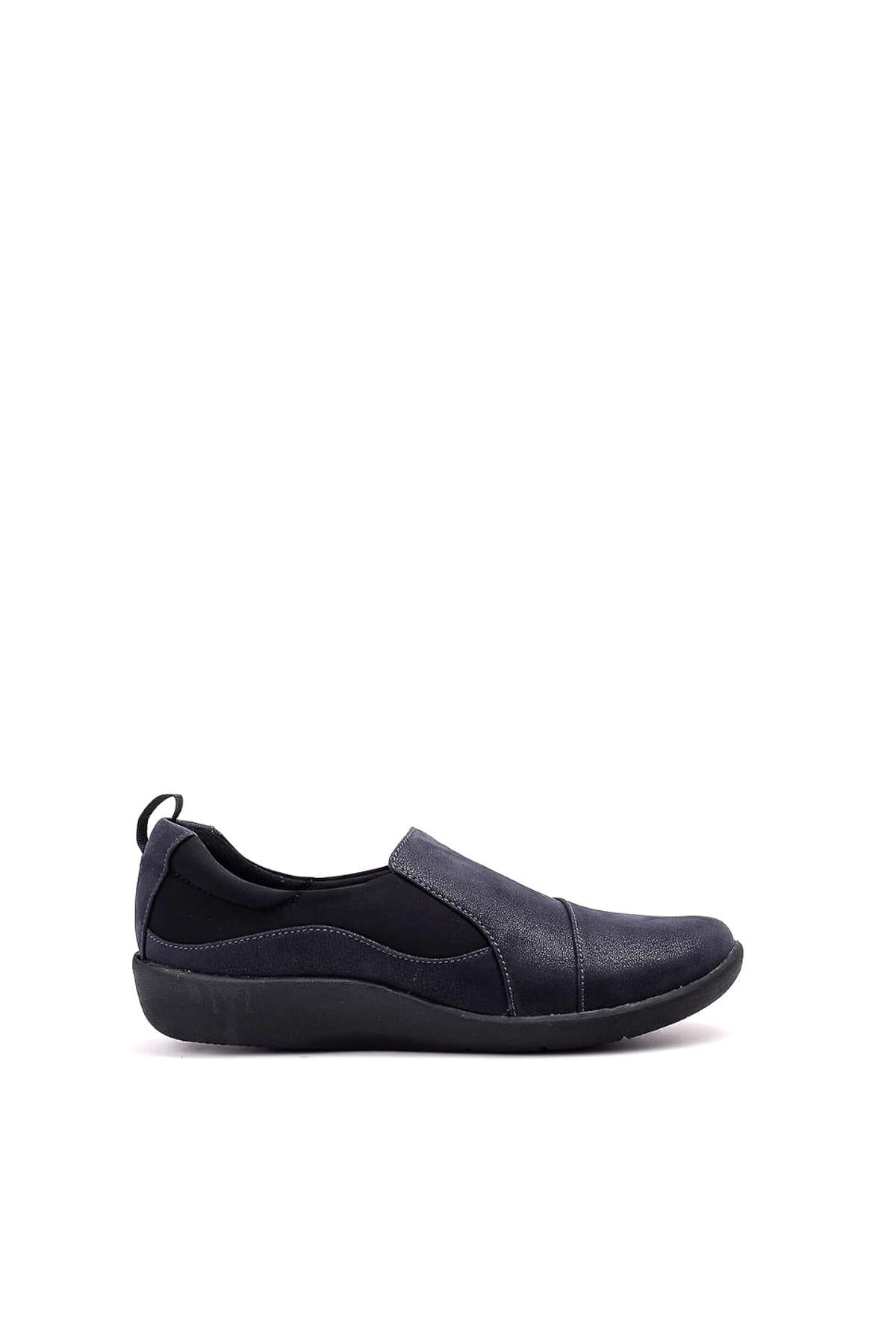 CLARKS Yeşil Kadın Sneaker 261221874-Nubuk-HAKI 1