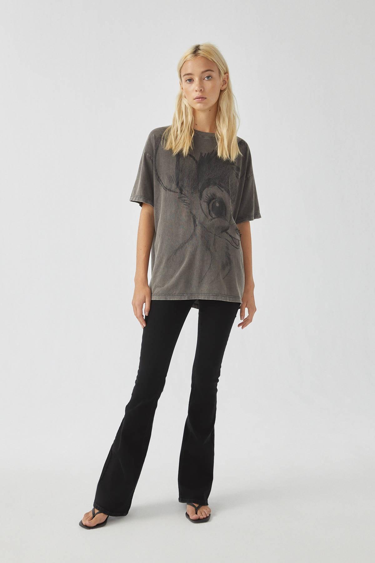 Pull & Bear Kadın Soluk Siyah Bambi Görselli Siyah T-Shirt 09247308 2
