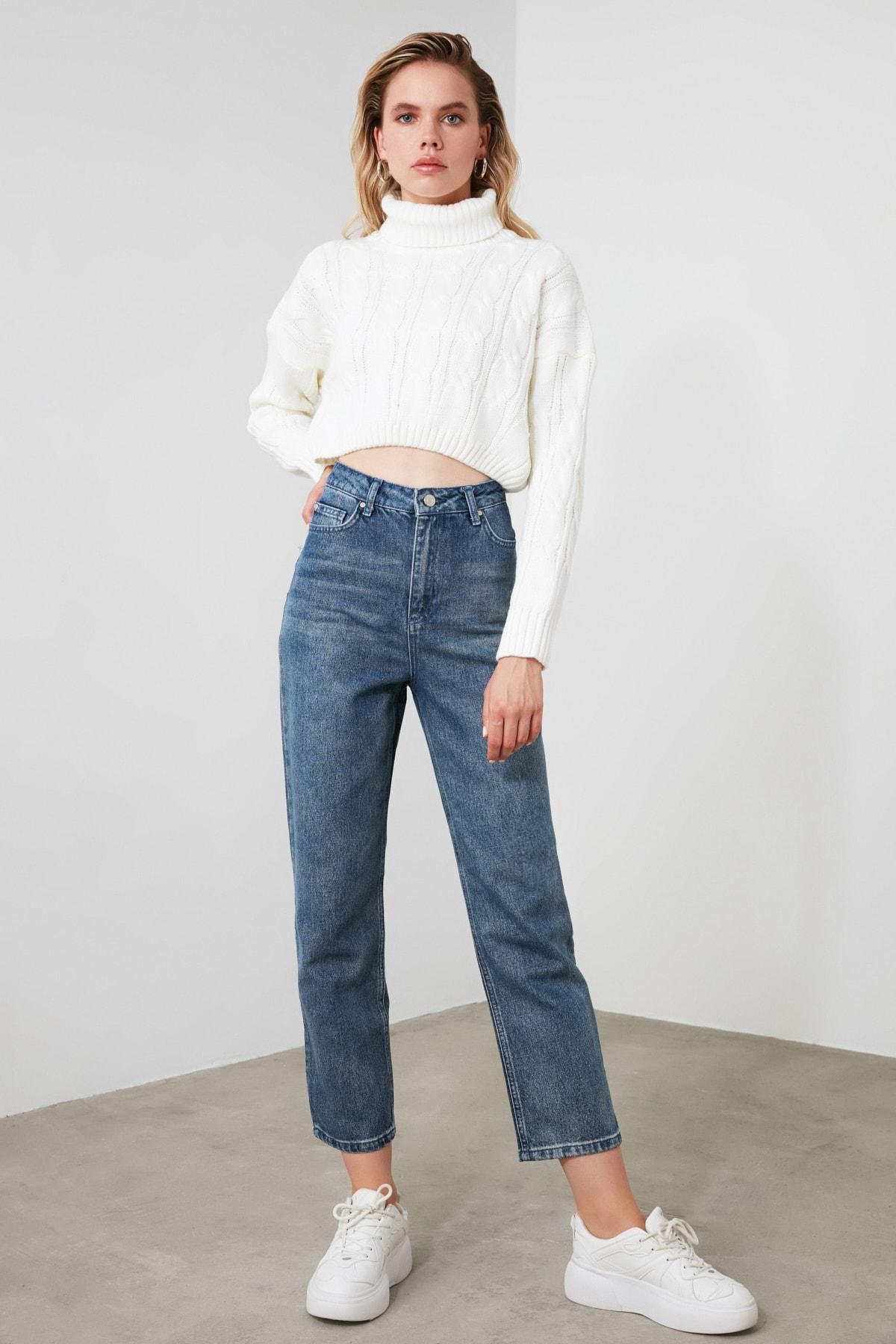TRENDYOLMİLLA Mavi Yüksek Bel Straight Jeans TWOSS20JE0166 1