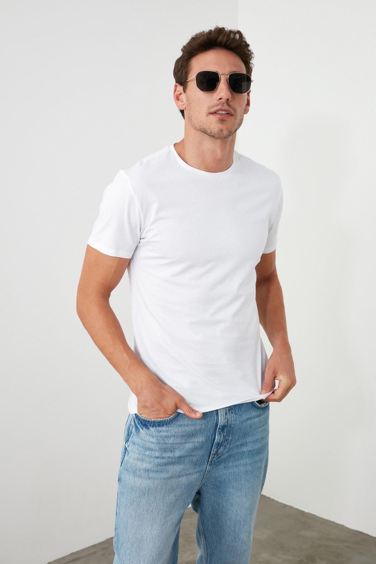 TRENDYOL MAN Beyaz Erkek Basic Pamuklu Kısa Kollu Bisiklet Yaka  Slim Fit T-Shirt - TMNSS19BO0001 1
