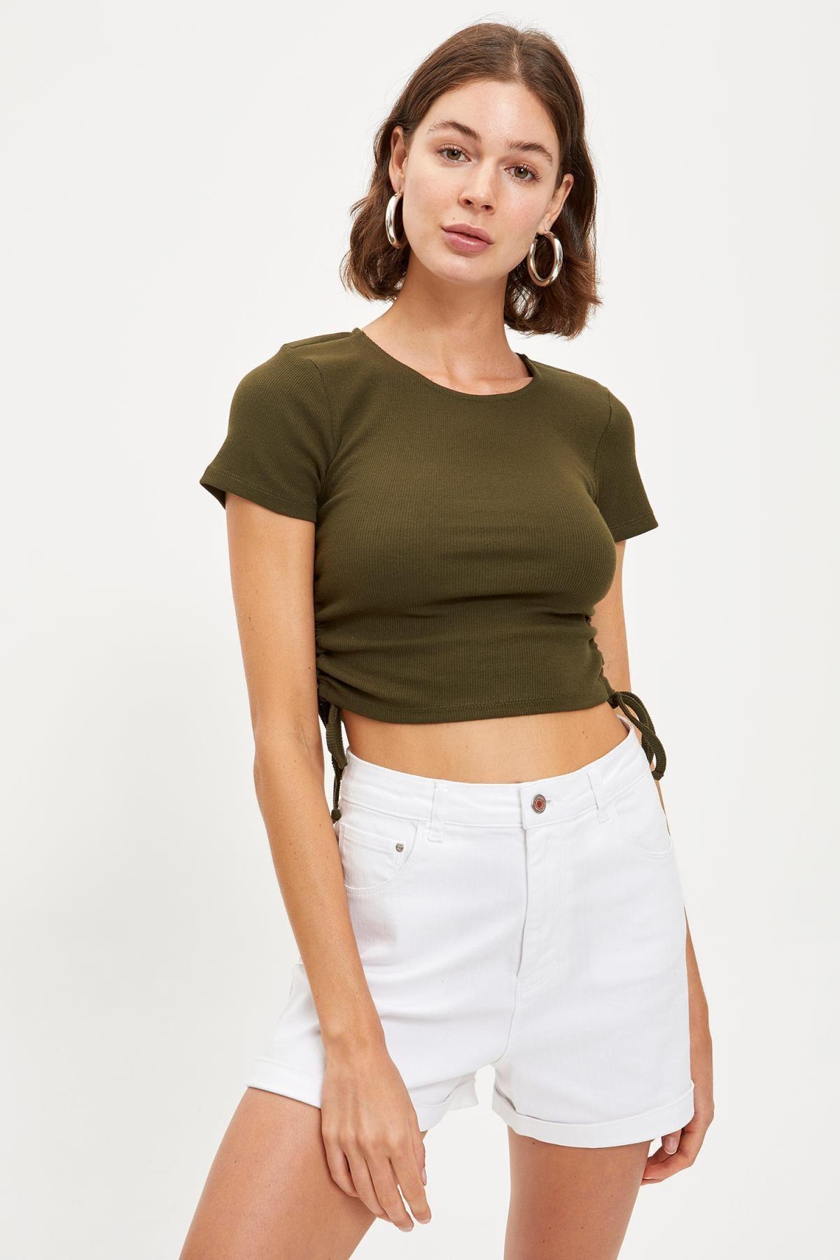 DeFacto Kadın Haki Beli Büzgülü Crop Tişört S7195AZ20SM