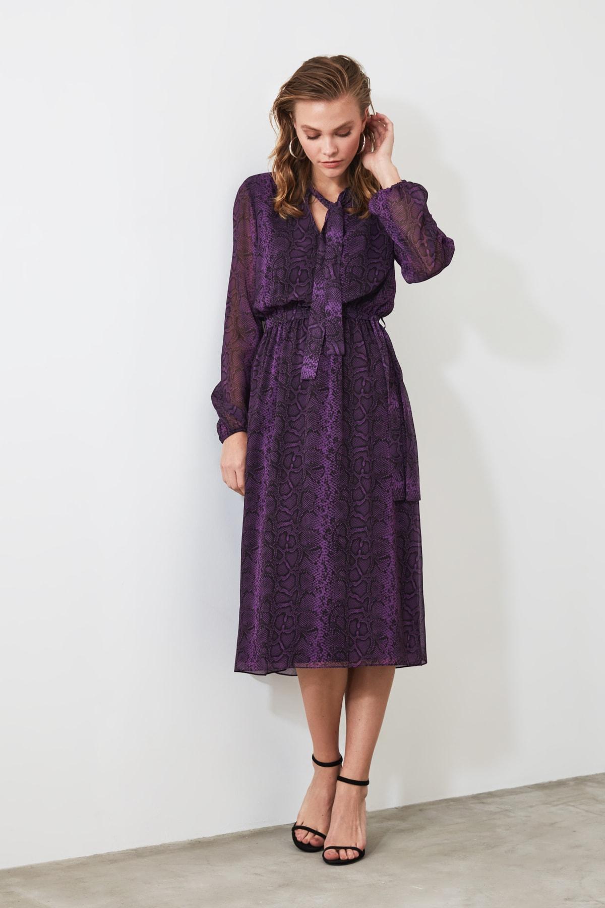 TRENDYOLMİLLA Çok Renkli Kuşaklı Desenli Elbise TWOAW21EL0458 2