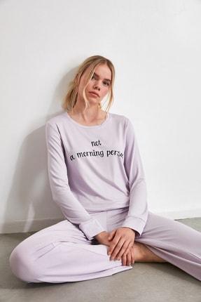 TRENDYOLMİLLA Lila Mottolu Örme Pijama Takımı THMAW21PT0014