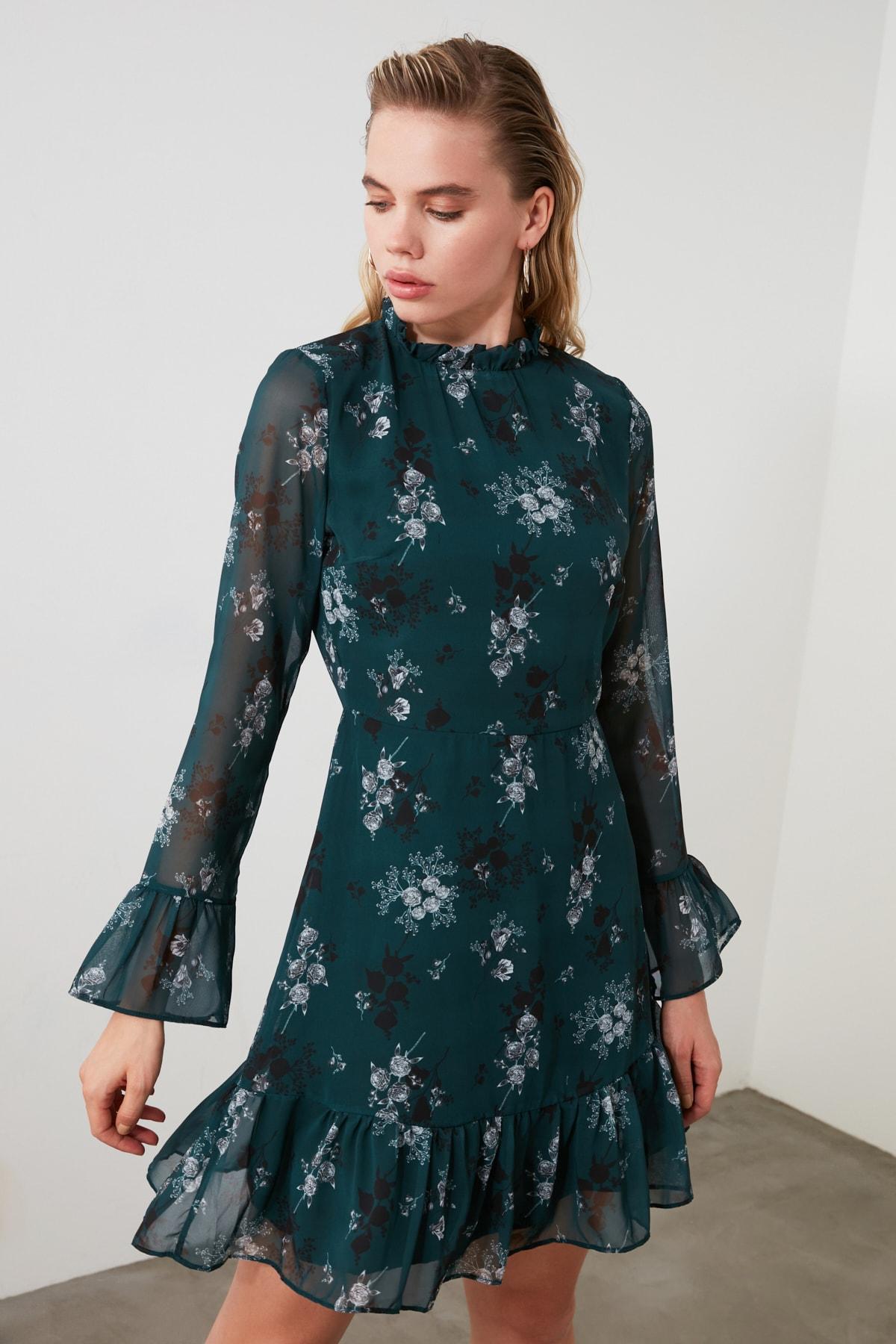 TRENDYOLMİLLA Yeşil Çiçek Desenli Elbise TCLAW19LJ0076 2