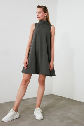 TRENDYOLMİLLA Antrasit Dik Yaka Örme Elbise TWOAW20EL1218