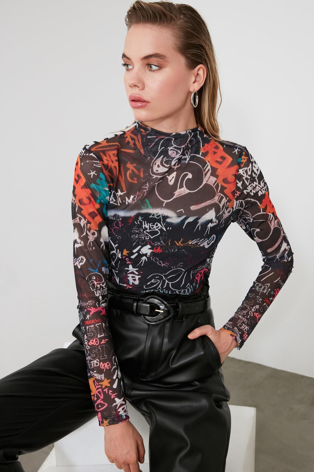 TRENDYOLMİLLA Çok Renkli Desenli Tül Örme Bluz TWOAW20BZ1098 1