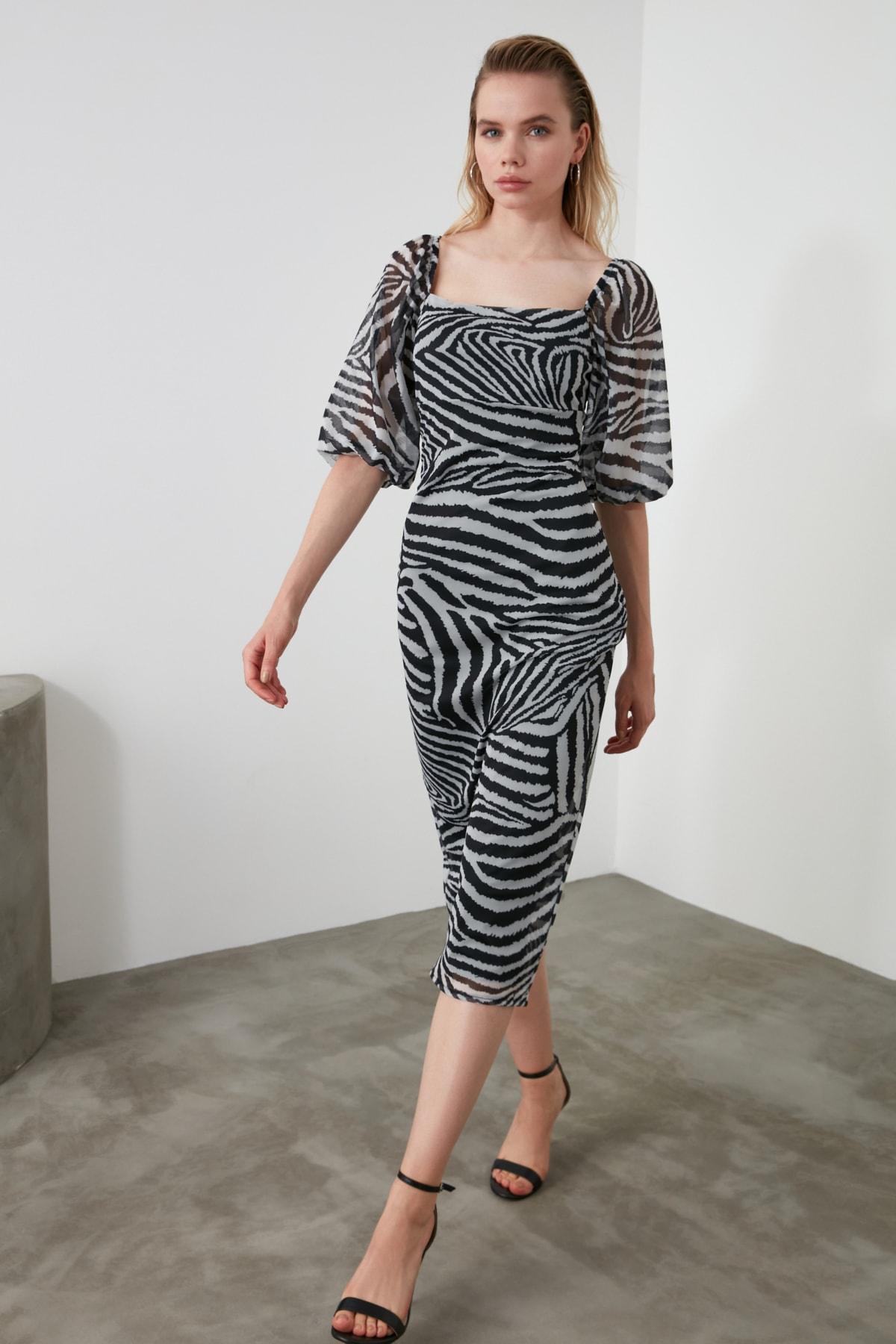 TRENDYOLMİLLA Siyah Zebra Desen Kare Yaka Balon Kol Tül Örme Elbise TWOAW21EL0904 1