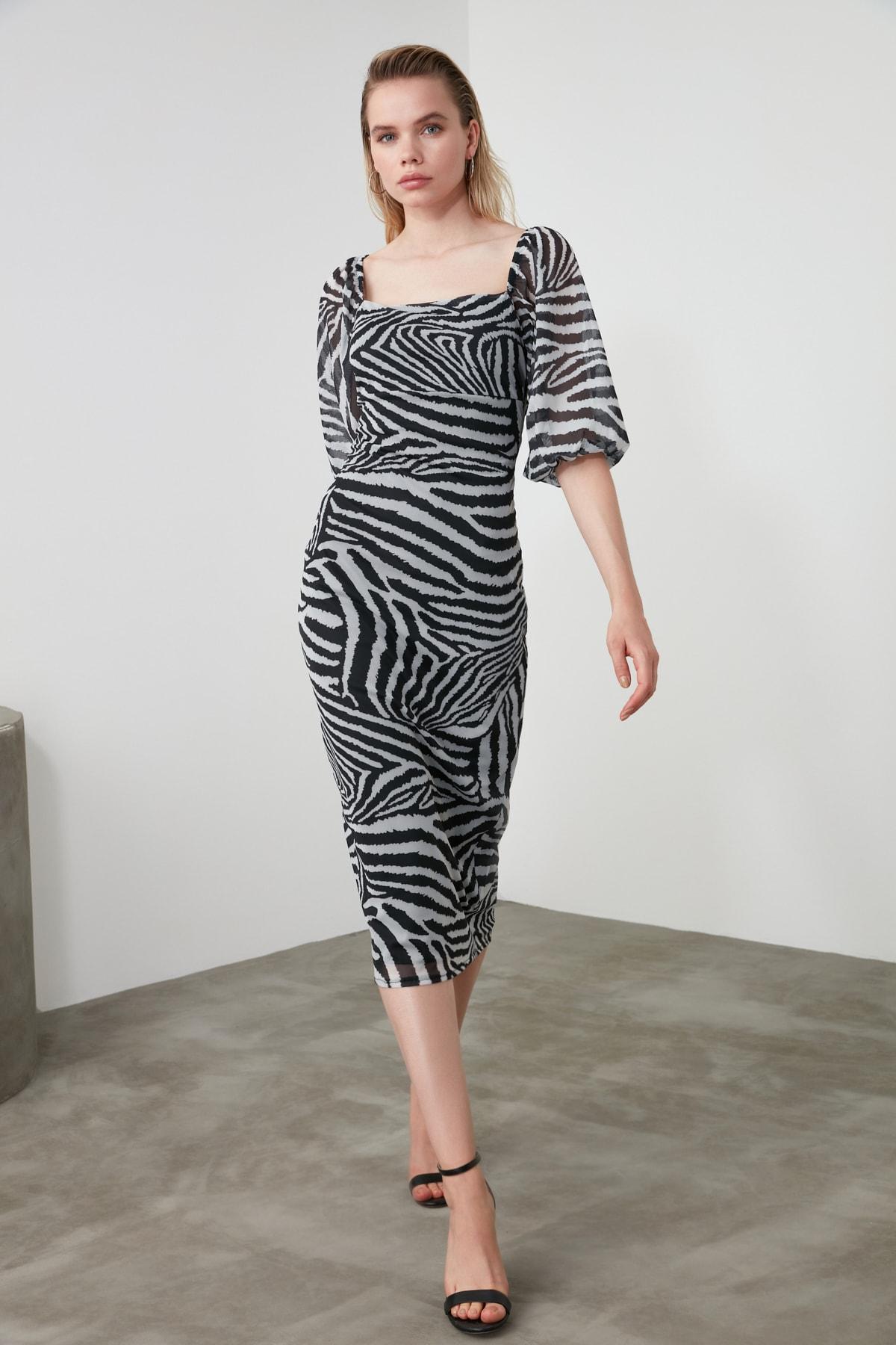 TRENDYOLMİLLA Siyah Zebra Desen Kare Yaka Balon Kol Tül Örme Elbise TWOAW21EL0904 2