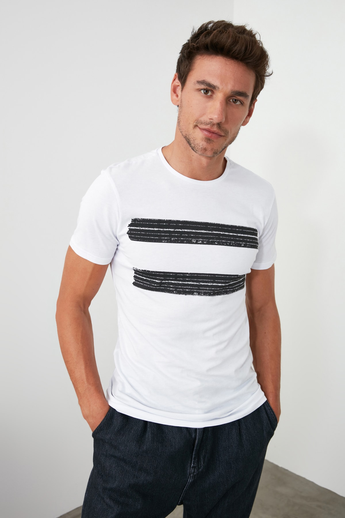 TRENDYOL MAN Beyaz Erkek Baskılı Slim Fit T-Shirt TMNSS20TS0092 1