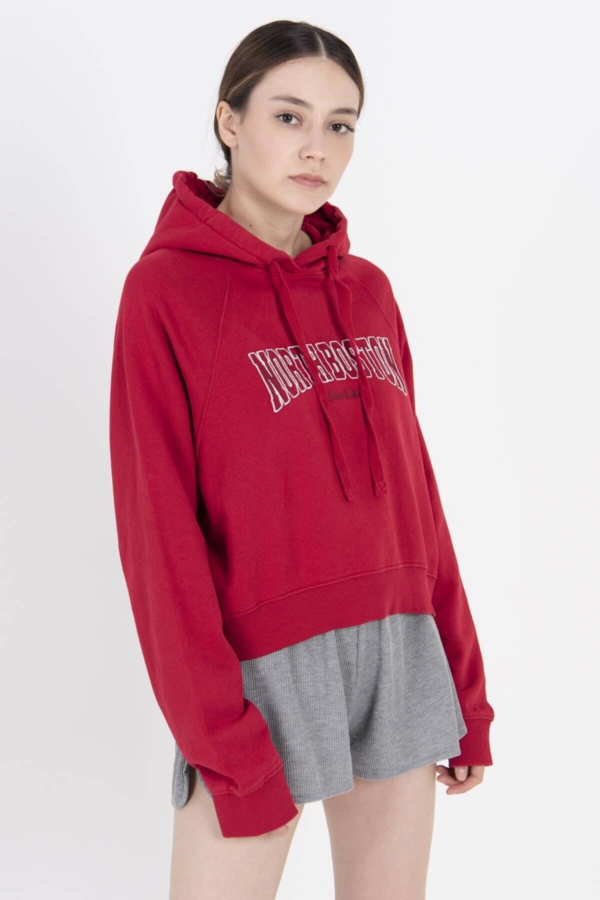 Addax Kadın Kırmızı Yazı Detaylı Kapşonlu Sweat S12144 ADX-0000022959