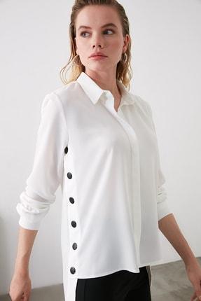 TRENDYOLMİLLA Beyaz Çıt Çıt Detaylı  Gömlek TOFAW19AA0107