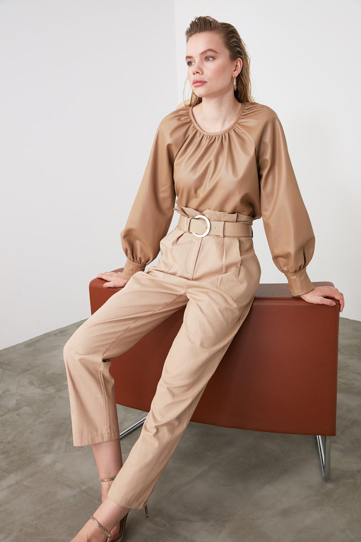 TRENDYOLMİLLA Bej Yüksek Bel Düz Kesim Pantolon TWOSS20PL0016 1