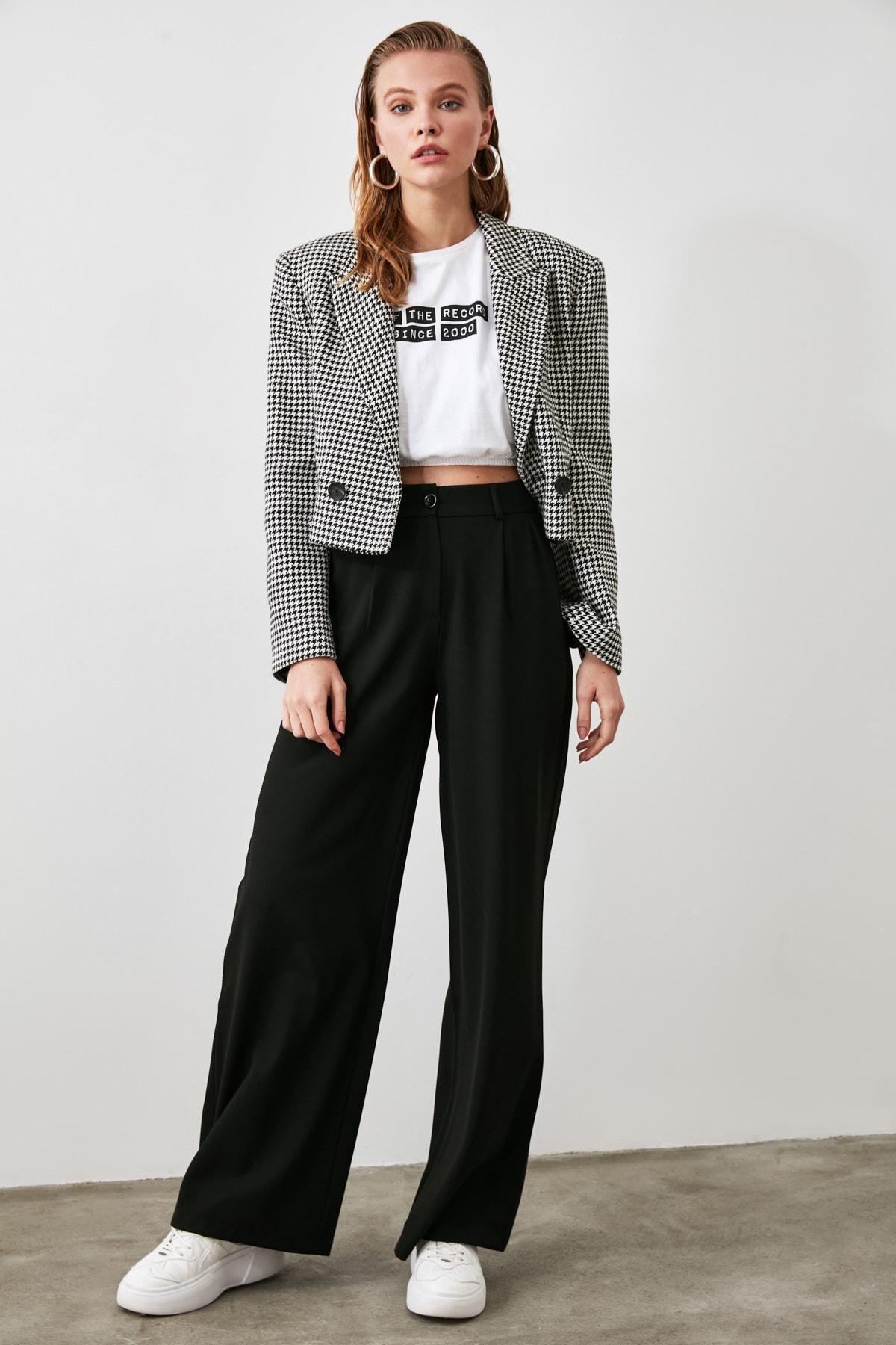 TRENDYOLMİLLA Siyah Basic Pantolon TWOAW21PL0076 1