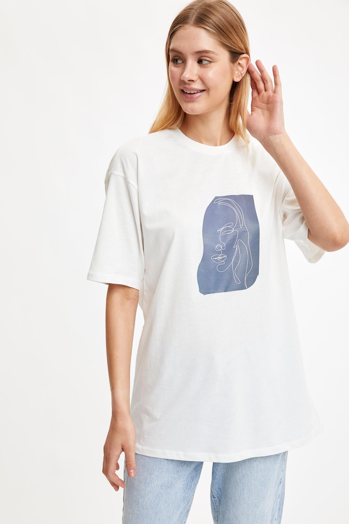 DeFacto Kadın Ecru Silüet Oversize Örme Tişört S7077AZ20SM