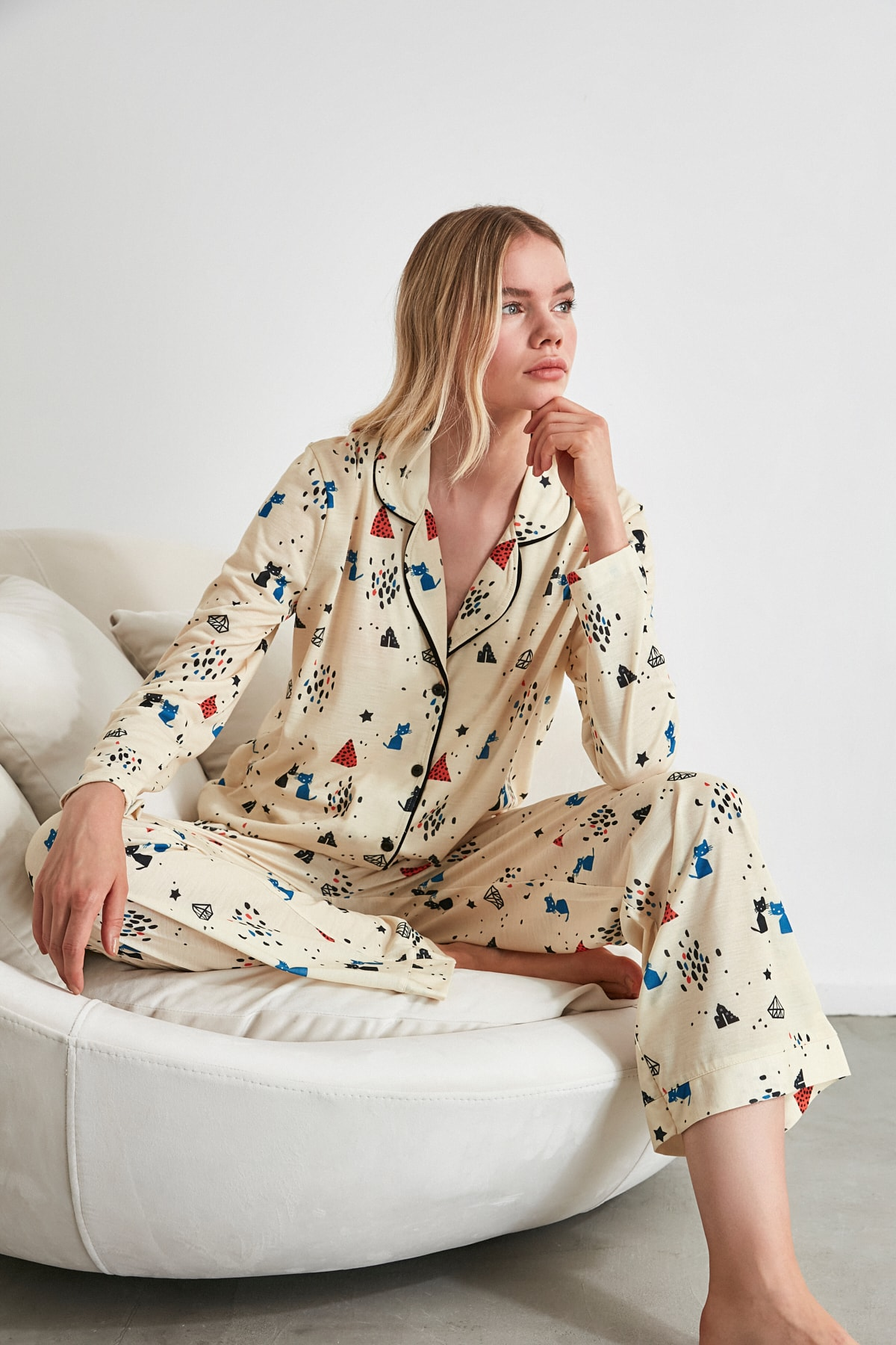 TRENDYOLMİLLA Baskılı Örme Pijama Takımı THMAW21PT0084 1