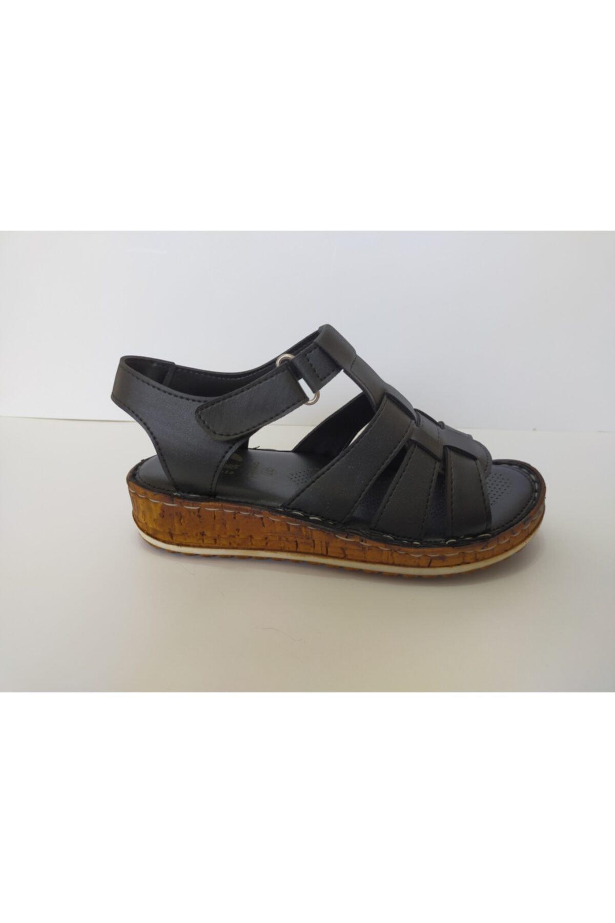 İpekçe  Kadın Siyah Ortapedik Sandalet 1