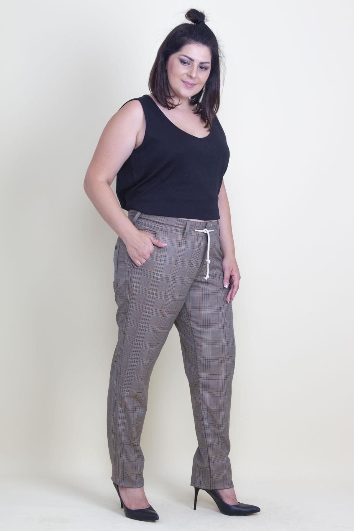 Şans Kadın Bej Ekose Desen Kemeri Ekstra Kaytan Bağcıklı Klasik Pantolon 65N17677 2