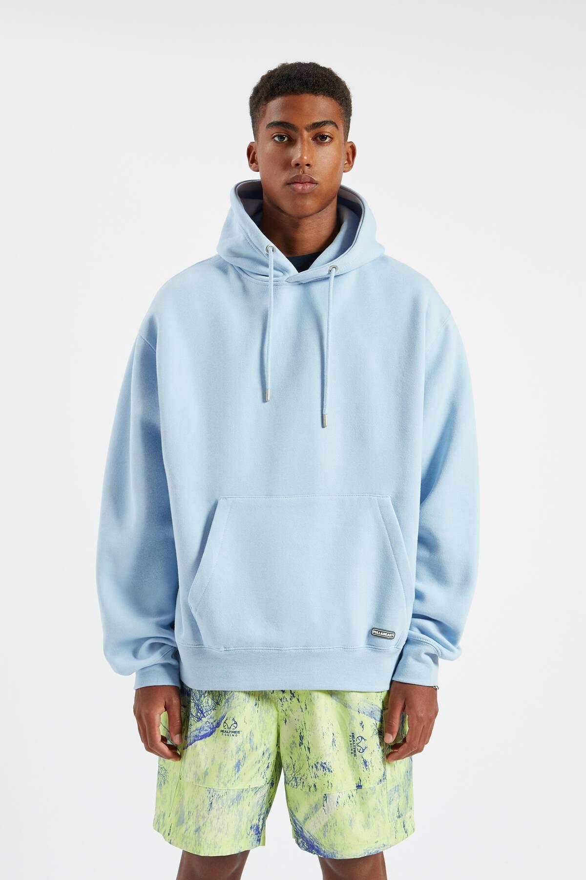 Pull & Bear Erkek Gök Mavisi Kapüşonlu Kanguru Cepli Basic Sweatshirt 09594513