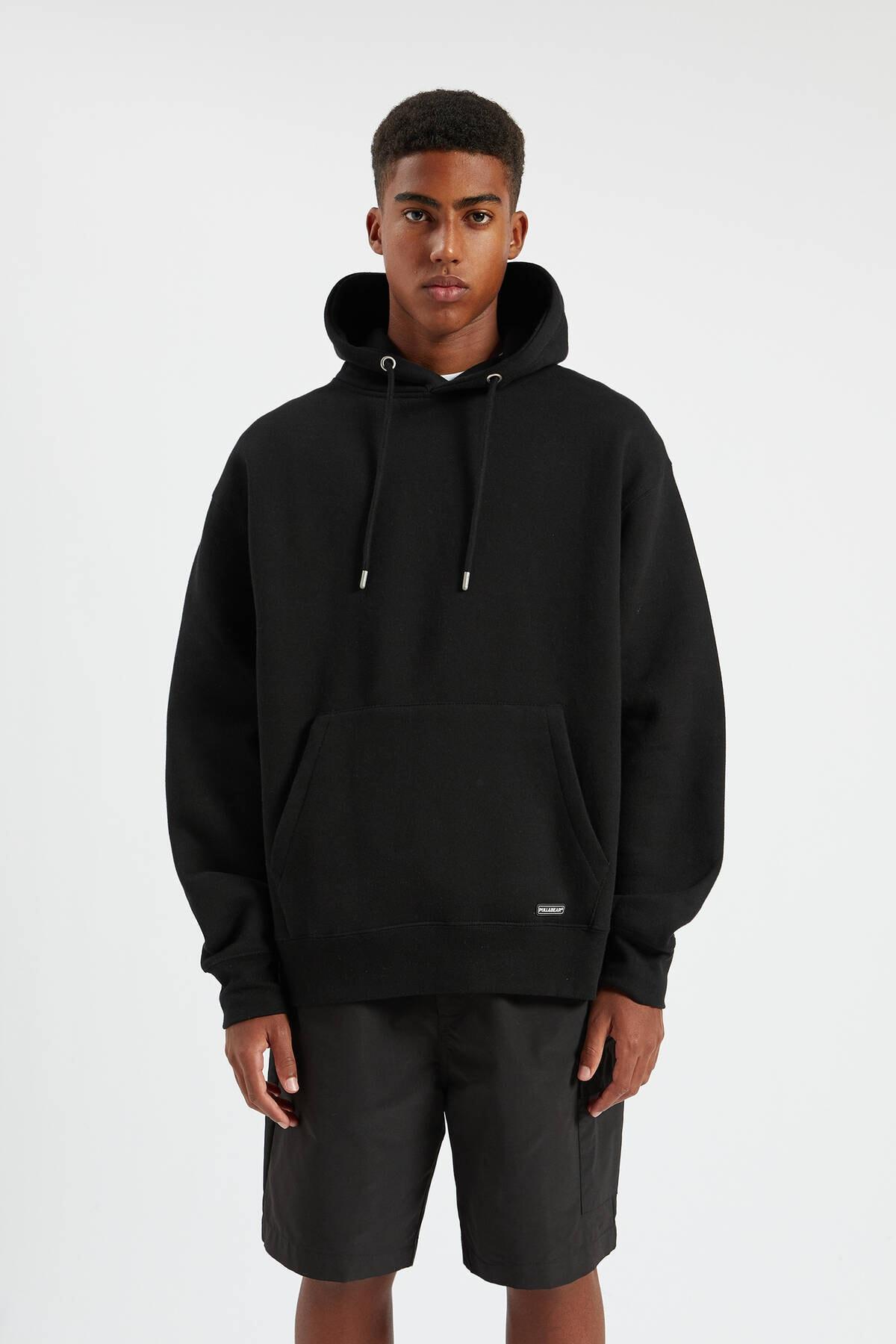 Pull & Bear Erkek Siyah Kapüşonlu Kanguru Cepli Basic Sweatshirt 09594513