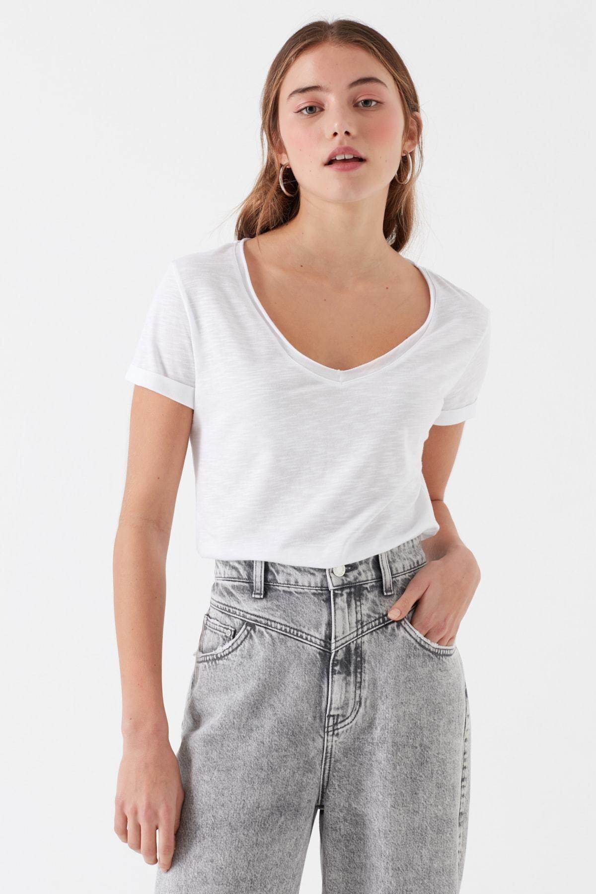 Mavi Kadın V Yaka Beyaz Basic T-shirt 1