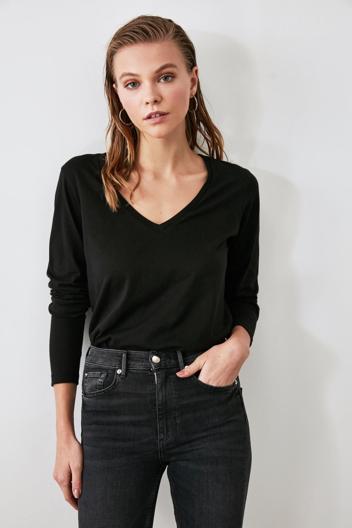 TRENDYOLMİLLA Siyah Uzun Kollu V Yaka Basic Örme T-Shirt TWOAW21TS0099 1