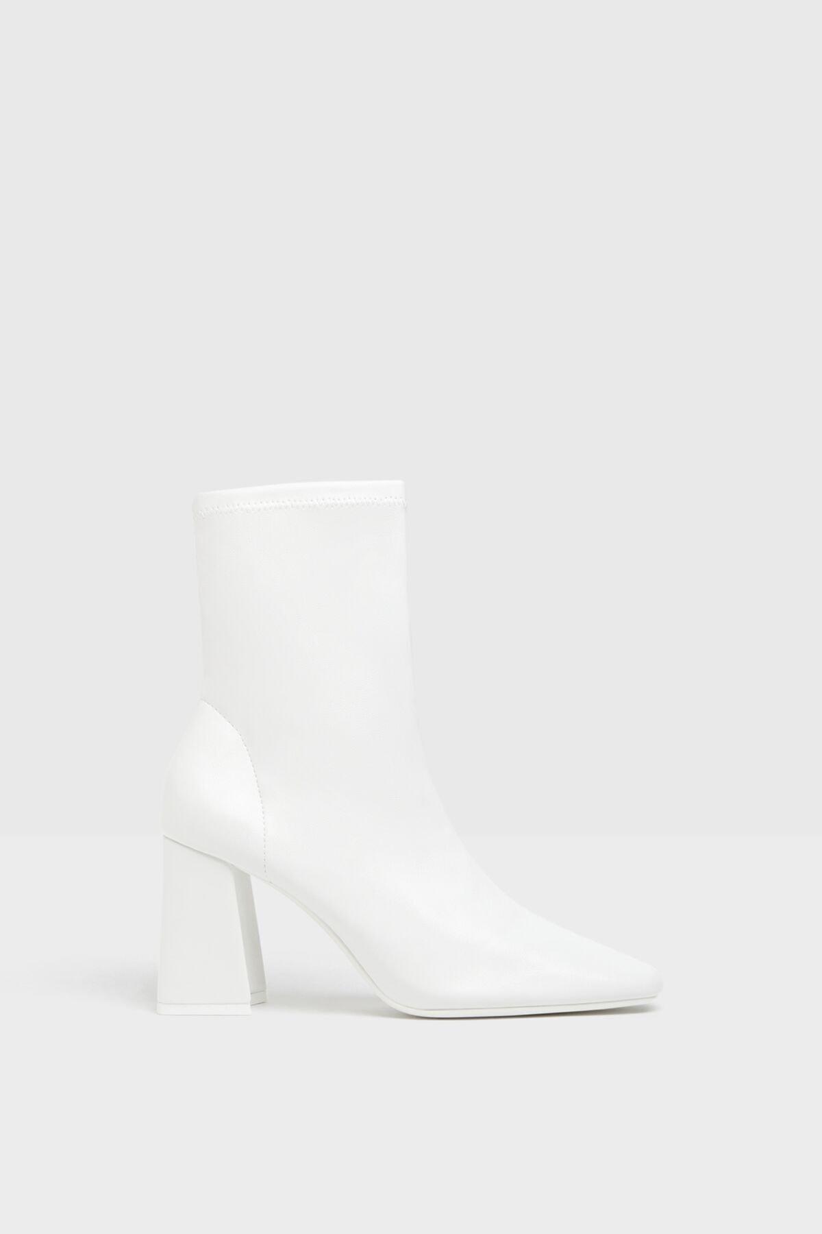 Bershka Kadın Beyaz Topuklu Streç Bilekte Bot 11125660 2