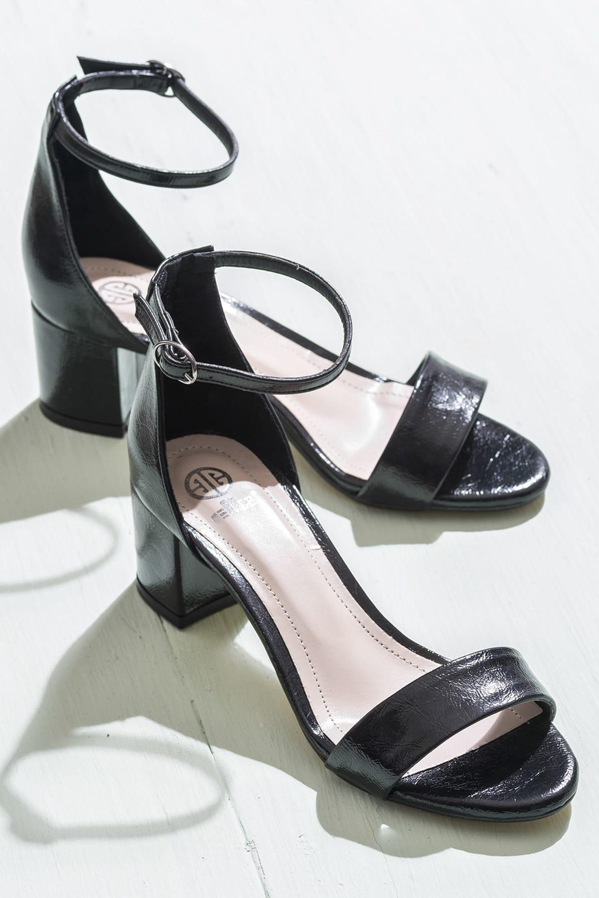 Elle Shoes FOORSSA Siyah KadınSandalet 1