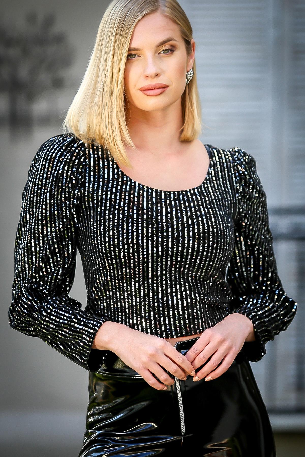 Chiccy Kadın Gümüş Pul Payetli U Yaka Kabarık Kol Bluz M10010200BL96828