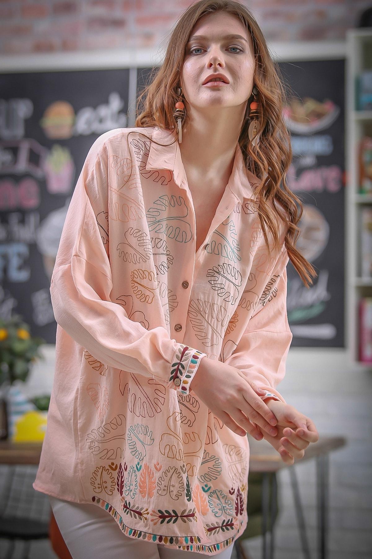 Chiccy Kadın Somon Tropikal Deve Tabanı Yaprak Nakışlı Oversize Tunik Dokuma Gömlek M10010400GM99613