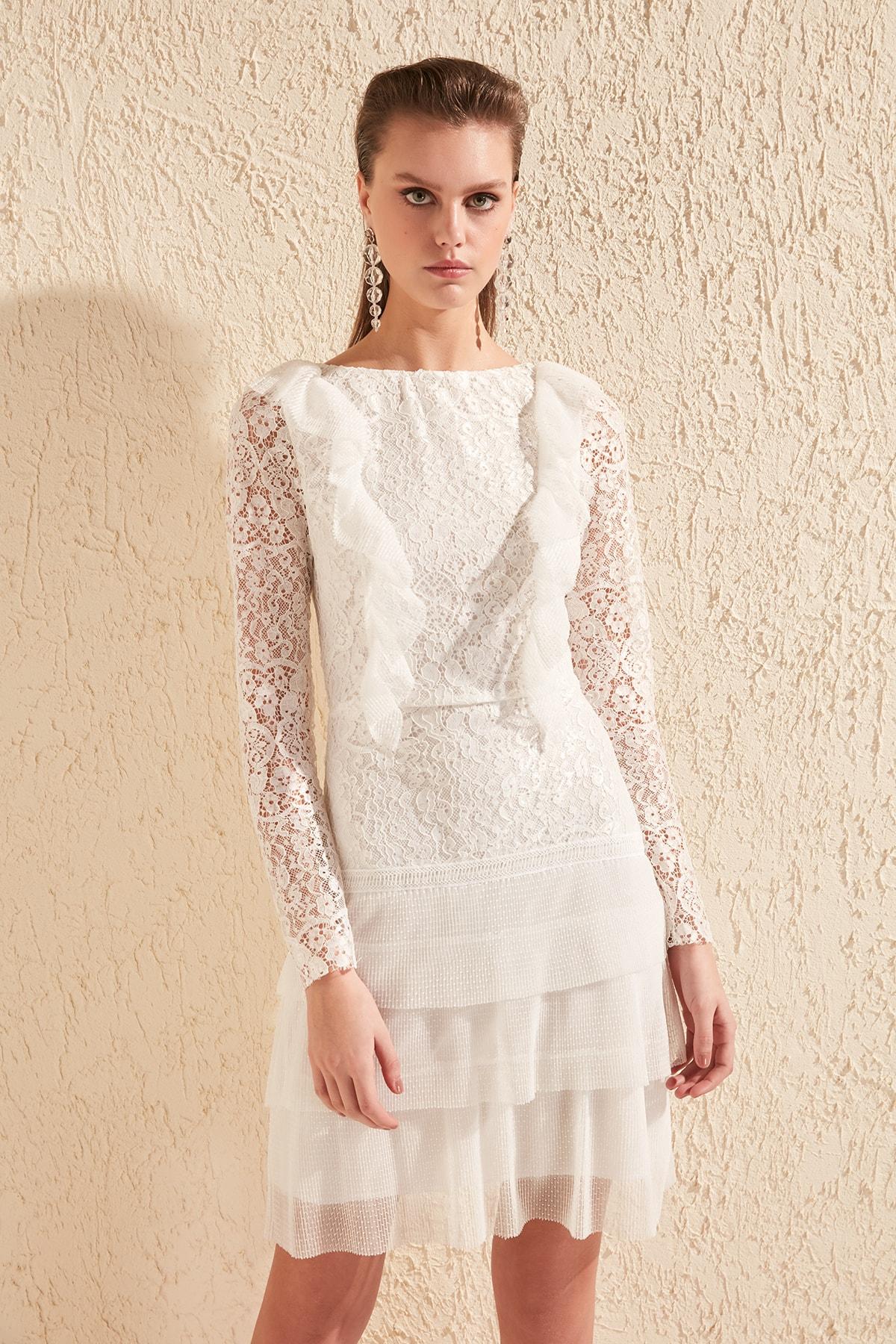 TRENDYOLMİLLA Ekru Fırfır Detaylı Dantel Elbise TPRSS20EL1095 2