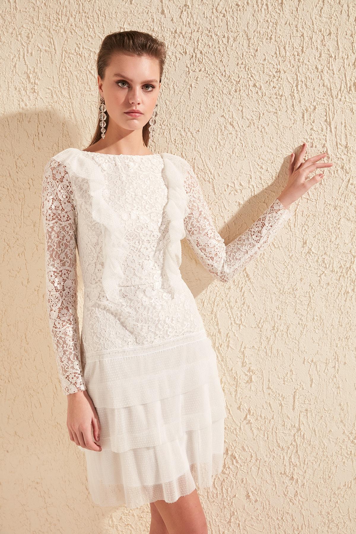 TRENDYOLMİLLA Ekru Fırfır Detaylı Dantel Elbise TPRSS20EL1095 1